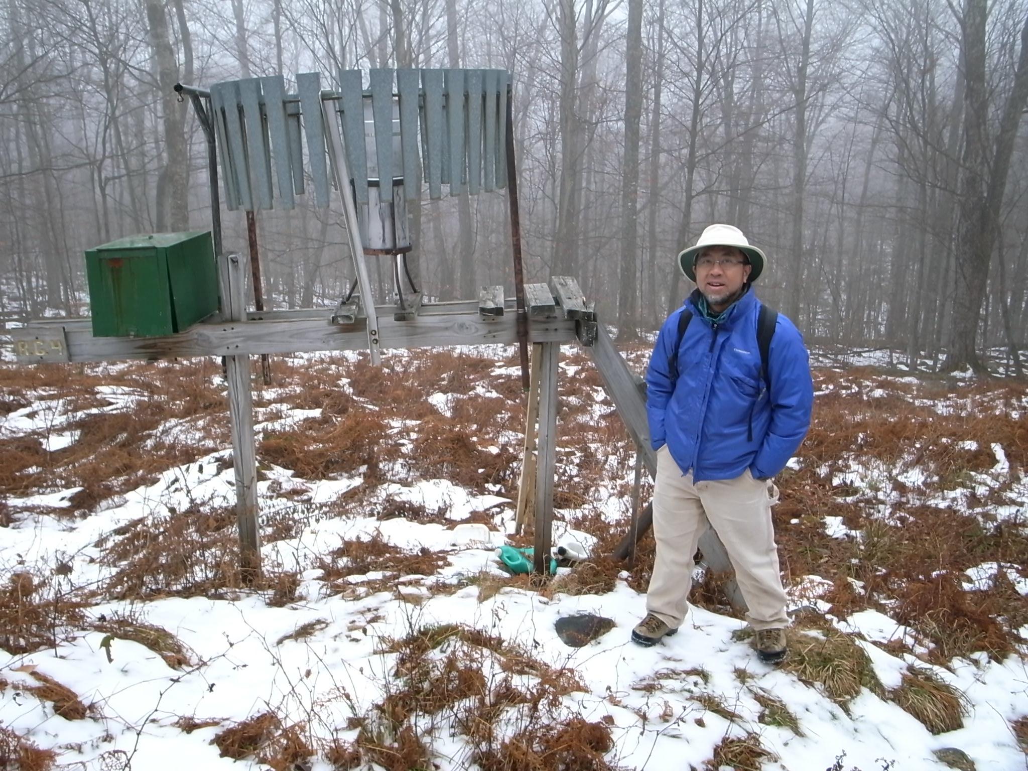 ハッバードブルック実験林の雨量観測点One of the rain gauge points in the Hubbard Brook Experimental Forest, NH.