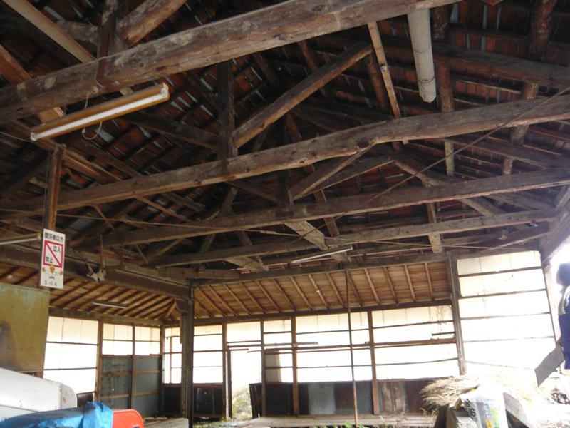 京北の旧製材所、実は明治築の小学校建築が転用されたものでした。何気なく残っている地場の産業景観資源の顕在化にも取り組んでいます。
