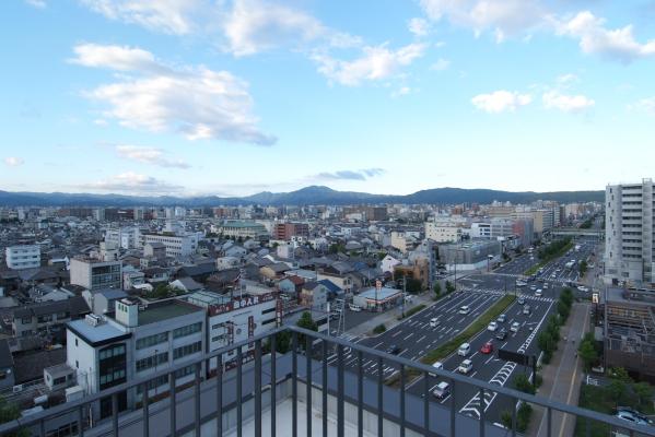 デザインイノベーション拠点が入居するKRP9号館からの眺望