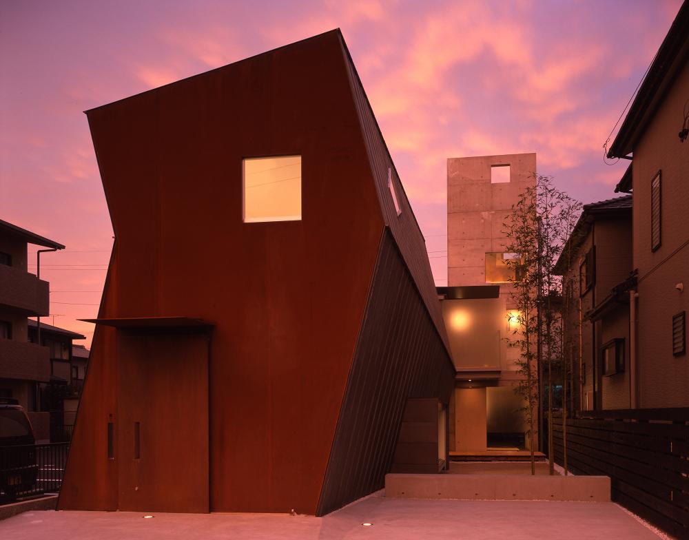 Refraction House 2000著書『独身者の住まい』の表紙となった安城のスタジオ