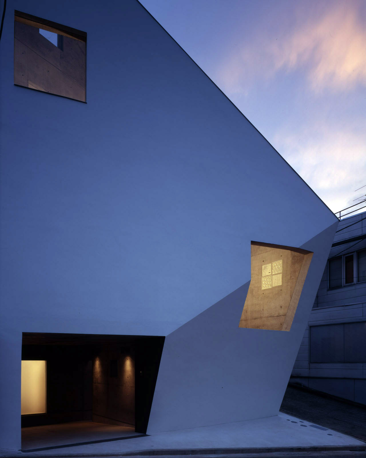 Sky Trace 2006作品集『Kiyoshi Sey Takeyama+AMORPHE』の表紙となった久が原の住宅